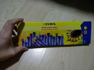 Bn Lyra Oil Pastels