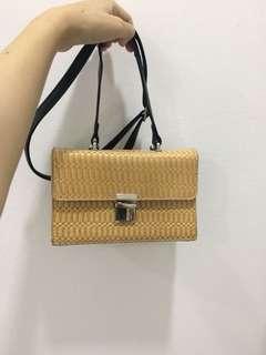 Rotten sling handbag