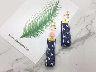 🚚 首爾 X 印象 夾式 針式 粉紅貝殼花緞帶耳環(預購)
