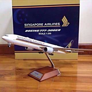 1/200 JC Wings Singapore Airlines Boeing B777-300ER