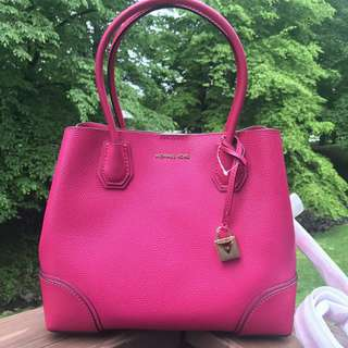 READY STOCK Michael Kors Mercer Corner MD Centre Zip Leather Tote In Ultra Pink
