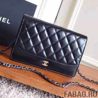 Chanel chain on wallet in black