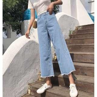🚚 pants 淺藍微寬版牛仔褲