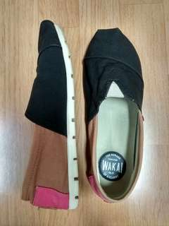 ORIGINAL WAKAI SHOES (black-brown-pink) and