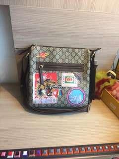 Gucci printed sling bag