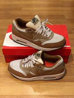 Nike Airmax 1 Essential (Brown) Size 8