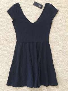 全新 Hollister 深藍色V領洋裝