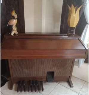 Jual orge/piano antik YAMAHA ELECTONE ME-300 F