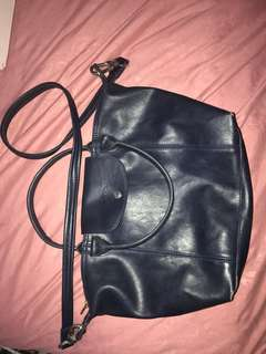 Longchamp kulit navy