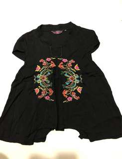Embroidered blouse for preggy