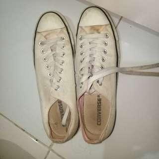 Converse White Shoes (pink stripe)