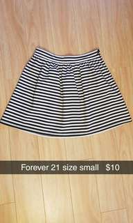 Small f21 skirt