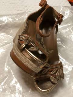 Hermes authentic wedge heel 36 with original box and dust bags