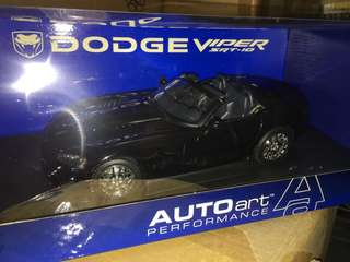 1/18 Dodge Viper. Black SRT-10. AutoArt