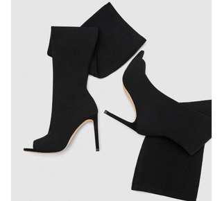 High knee black boots