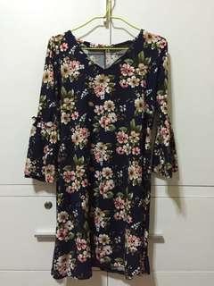 Priscilla PH floral bell sleeve dress