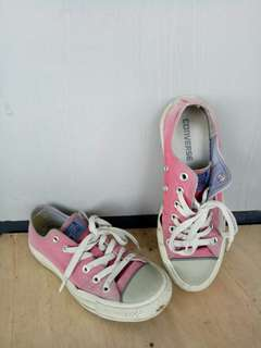 Converse Red