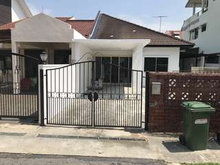 Single story 3,455 sqft Jalan Tarum semi-d house for rent immediately