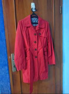 Coat Mid-length warna Merah