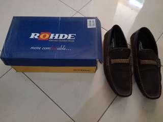 Sepatu ROHDE