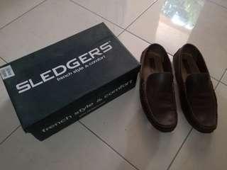 Sepatu SLEDGERS