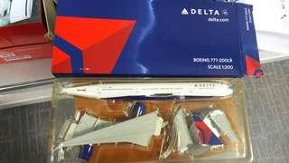 Delta 1:200 777-200LR