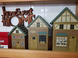 Country & Rustic looking wooden containers