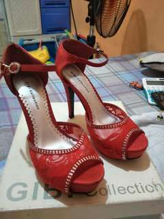 Gibi red sandals