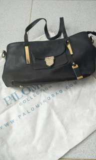 Palomino Shoulder Bag Hitam