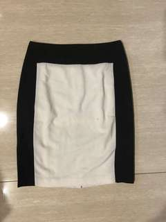 The Executive Skirt size S