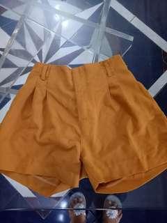 Celana pendek / Short pants