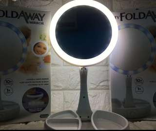 Portable mirror with LED lights