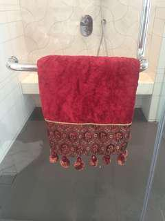 Luxurious Bath Towel (New)