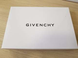 Givenchy Facetowel set