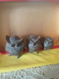 Owl carving, for those who like owls and owl collectors (bundle)