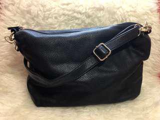 Crossbody/Sling Bag in Black