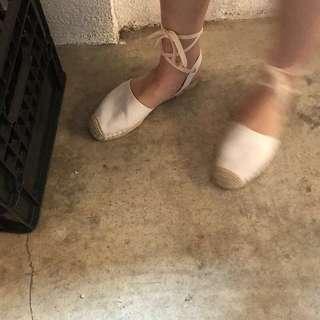 韓國風格超好搭白色綁帶鞋