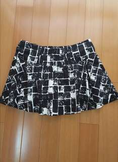 LEE MIN全新專櫃造型短裙