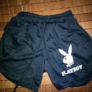Celana Pendek Playboy