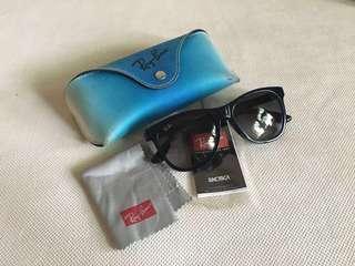 Rayban wayfarer sunglasses + free shipping!!!