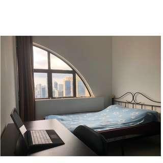 Master bedroom with attached private bathroom in the heart of Chinatown