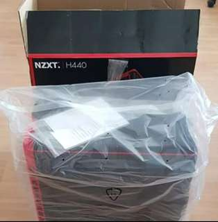 NZXT H440 Mid Tower Red