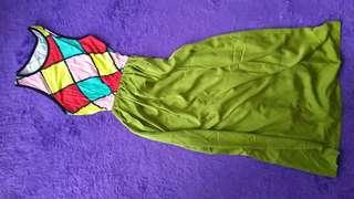 Dress hijau segar aksen motif colorfull
