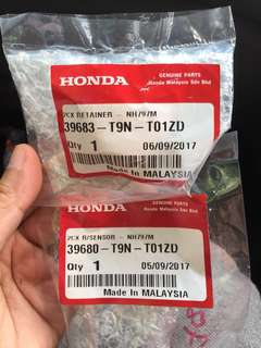 Genuine part - Reverse sensor and retainer clip for Honda City