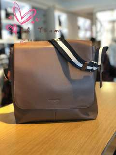 (Pre-order)US Coach National Day's Sales,Coach Charles Small Messenger ,Est.indent 4-6 Weeks Can Collect It Upon Confirmation Order,Direct Courier From US. BEST PRICE OFFER (NON NEGOTIABLE)
