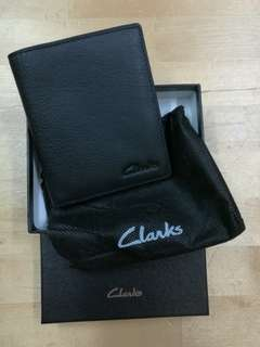 Brand new Clarks wallet for men 全新男裝 Clarks 真皮銀包