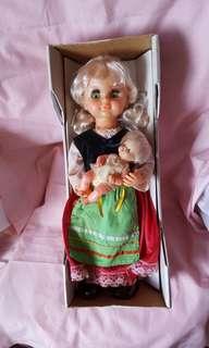 Jane & Jenny musical doll