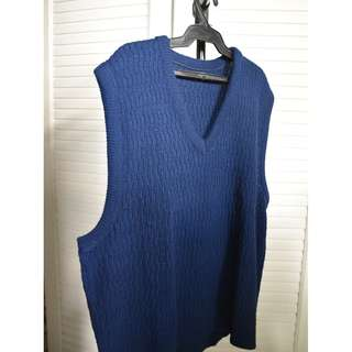 Oversized sweat shirt vest