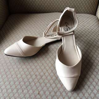 Cream Ankle Strap Pointed Flats