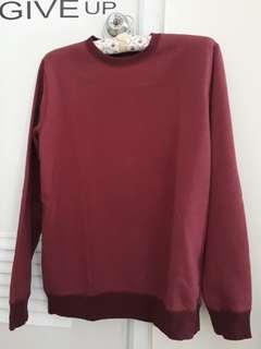 Uniqlo sweater. Uniqlo sweatshirt